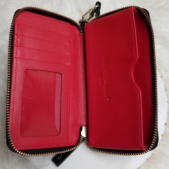 2fb1486df27dd3 Halogen Bags | Zip Around Wristlet Phone Case | Poshmark